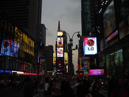 NY �����������.
